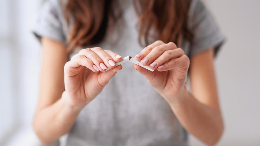 """El tabaco """"ata y te mata"""" y empeora los síntomas del coronavirus"""