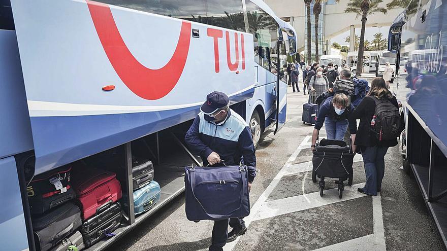 TUI pierde 2.409 millones en los primeros nueve meses de ejercicio