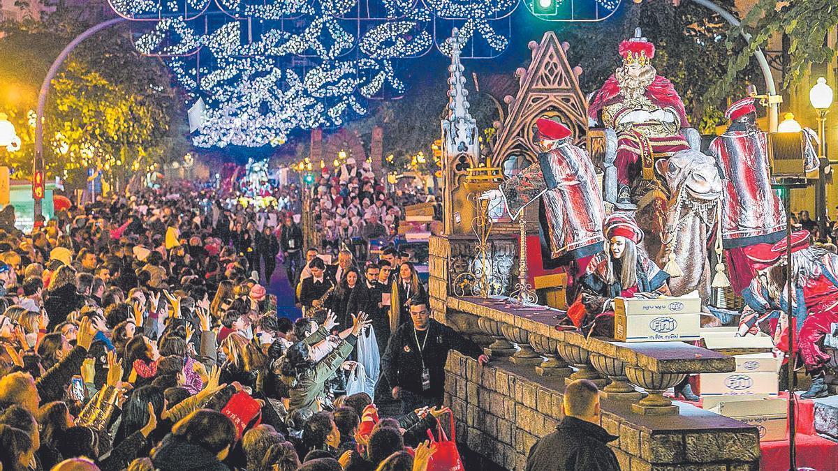 La Cabalgata de Alicante, uno de los desfiles más multitudinarios, no se celebrará por el covid.