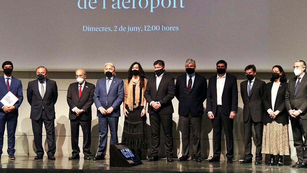 El món econòmic català es va reunir ahir per defensar la futura ampliació de l'aeroport.  |