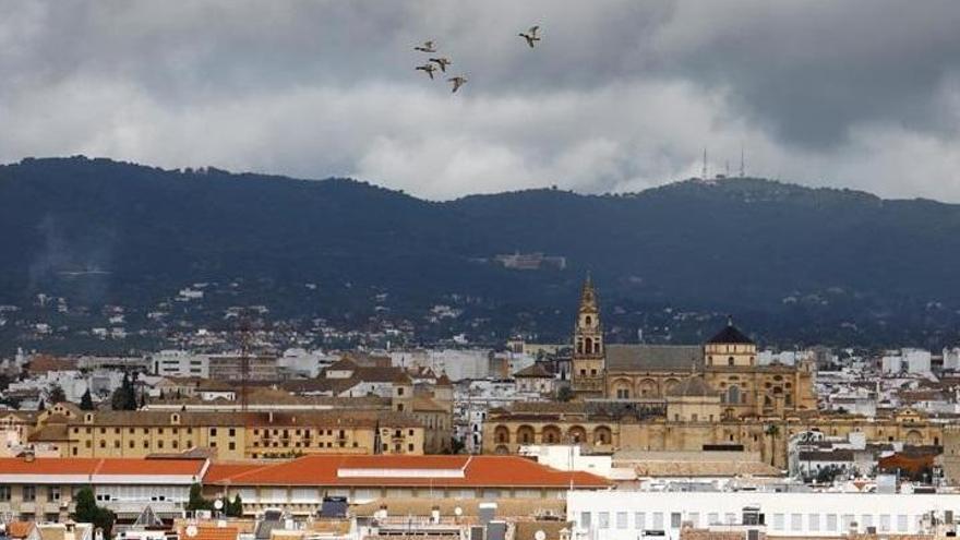 El tiempo en Córdoba: cielos nubosos y una máxima de 24 grados