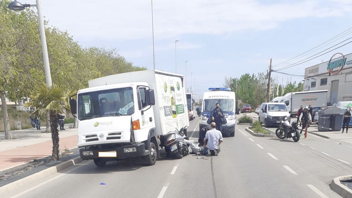 Imagen de los vehículos implicados en el trágico accidente de tráfico.
