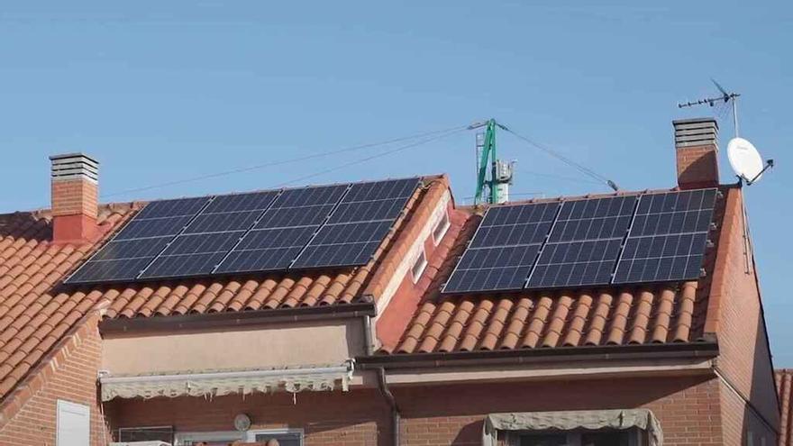El PSPV-PSOE de Massanassa propone incentivar la instalación de placas solares con rebajas en los impuestos municipales