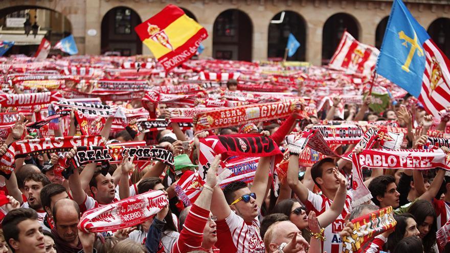 El Sporting roza el liderato histórico de Segunda