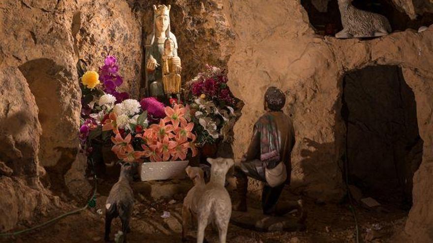 """""""La devoción  mariana es más intensa donde menos población morisca quedó tras la conquista"""""""