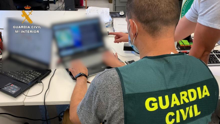 La Guardia Civil de Cáceres detiene a 16 personas tras desarticular una red dedicada a estafar en Internet