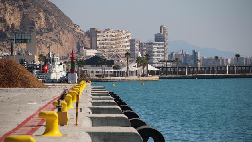 Los muelles de la Zona Volvo del puerto acogerán una nueva zona  lúdica con escuelas náuticas, tiendas y restaurantes
