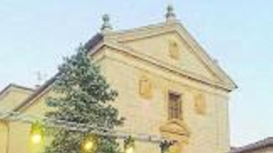 Una nave en El Canto, nueva sede de la banda Bendito Cristo de las Tres Caídas de Toro