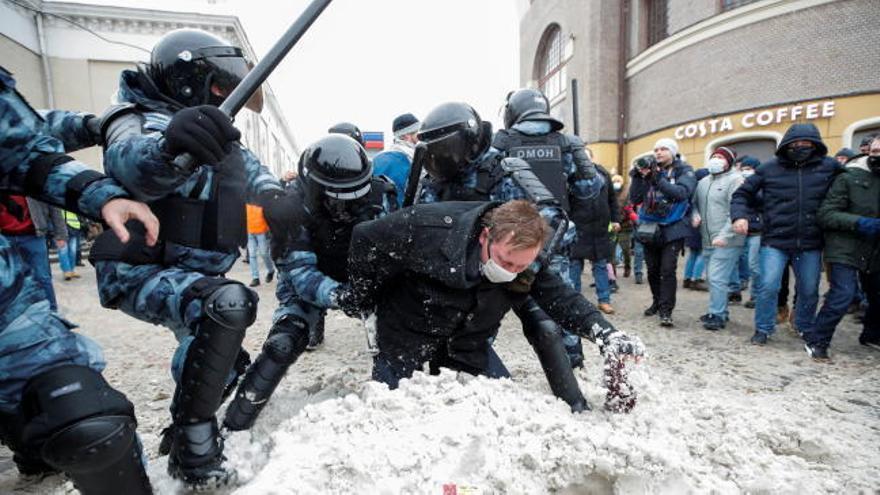 Cerca de 5.000 detenidos en Rusia en las manifestaciones a favor de Navalni