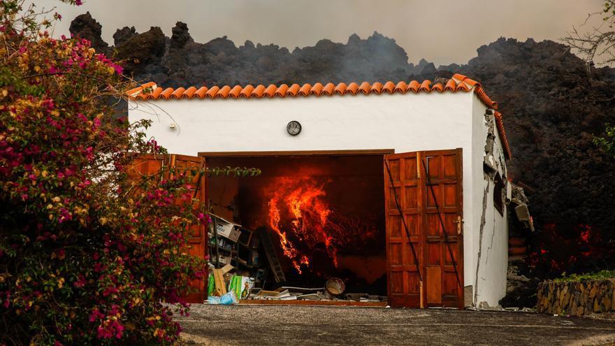 Directo | La lava amenaza cientos de viviendas más en su camino hacia el mar