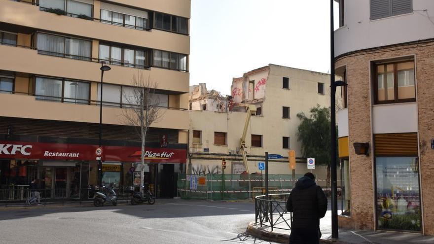 Empieza el derribo del edificio Santa Margarita