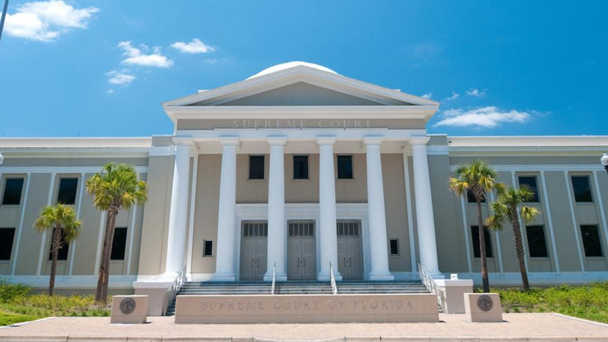 El Supremo de Florida inhabilita a un abogado que pidió sexo a reclusas