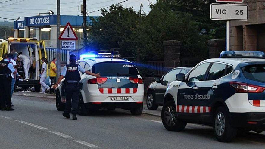 Envien a judici l'acusat d'intentar matar quatre mossos amb una catana a Moià el juliol del 2020