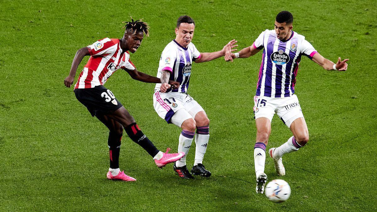 Nico Williams, este miércoles, en su debut con el Athletic de Bilbao en Pucena.