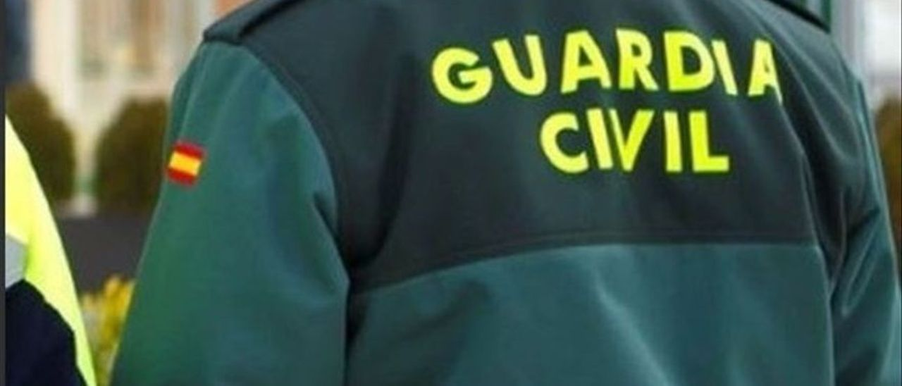 Agente de la Guardia Civil de Ibiza. D.I.