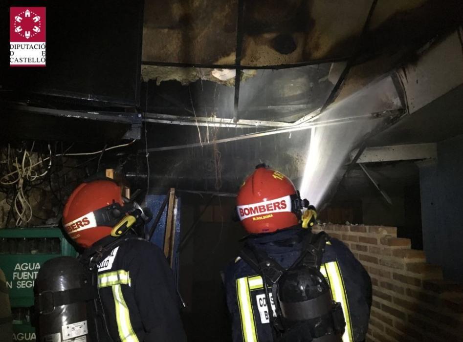 Desalojados 33 clientes de un hotel en Montanejos por un incendio