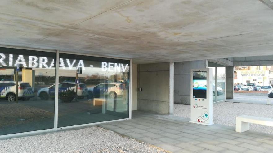 Nou suport d'informació turística 24 hores a l'entrada d'Empuriabrava