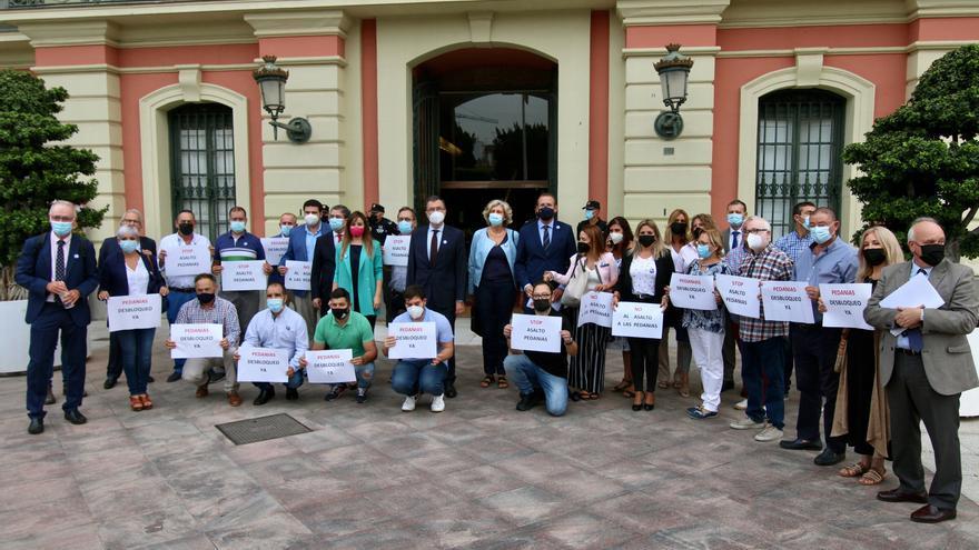 """Los pedáneos del PP se """"plantan"""" en el Pleno para denunciar el """"asalto"""" a las juntas municipales"""