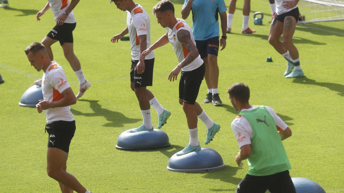 El Valencia CF ya trabaja en Mestalla el primer partido de LaLiga