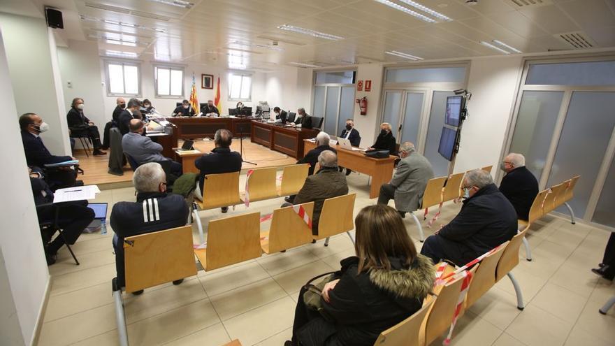 Las defensas consiguen suspender el juicio de las basuras de Calp por falta de medidas de seguridad