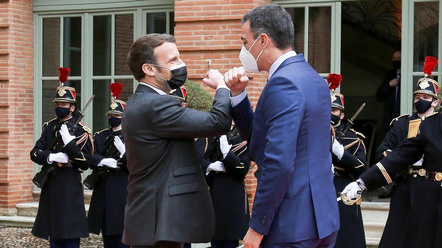Macron recibe a Sánchez en Montauban para presidir la cumbre bilateral