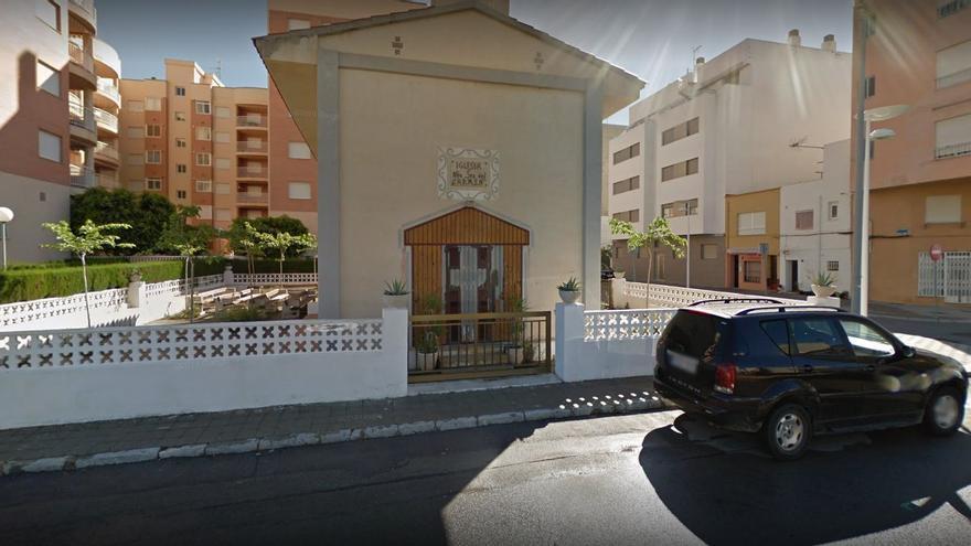 Detenido en Torreblanca al intentar atacar a su mujer con dos cuchillos