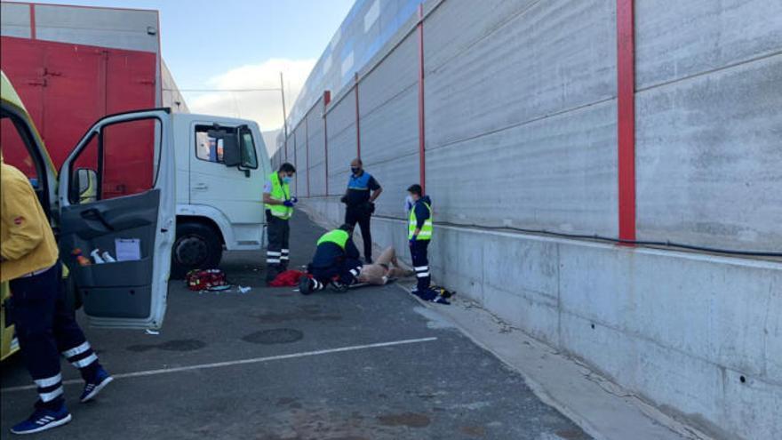 Atropellado por su propio camión en el polígono de Arinaga
