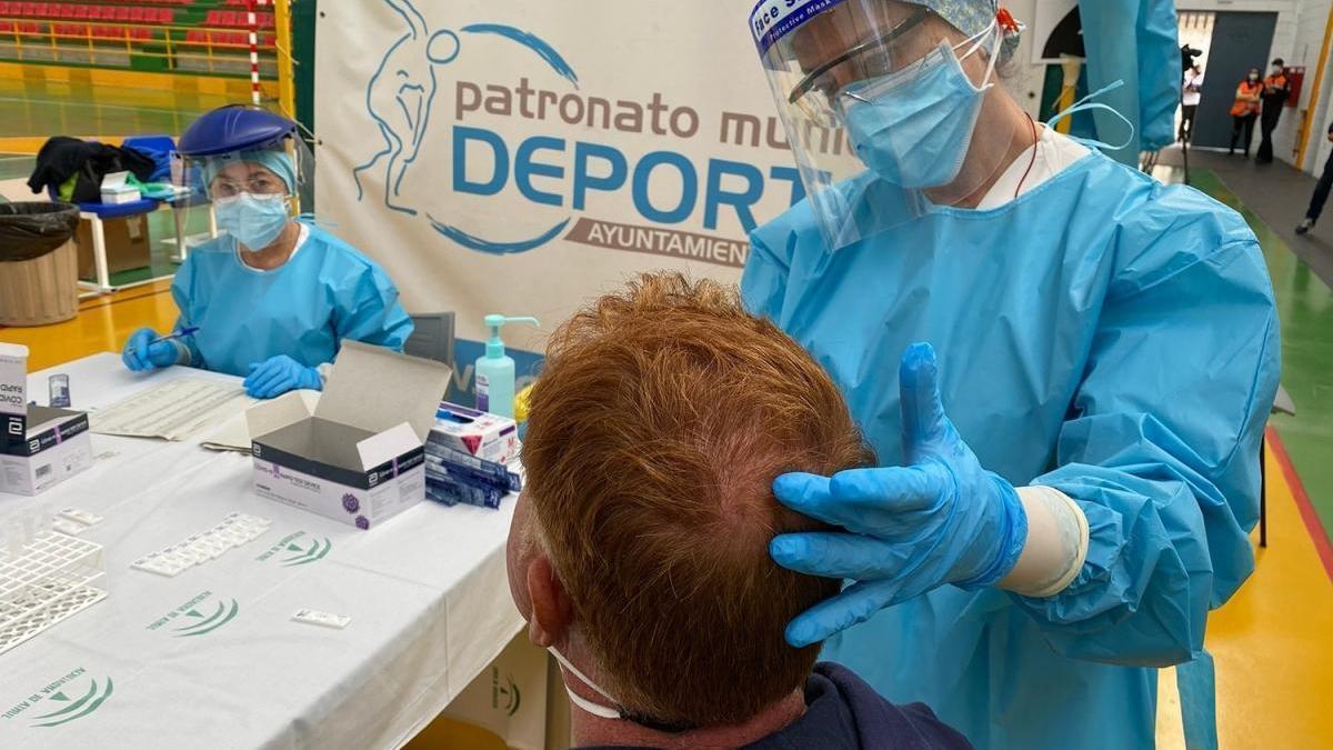 Córdoba registra 95 positivos de covid mientras las hospitalizaciones caen a 223, 11 menos en 24 horas