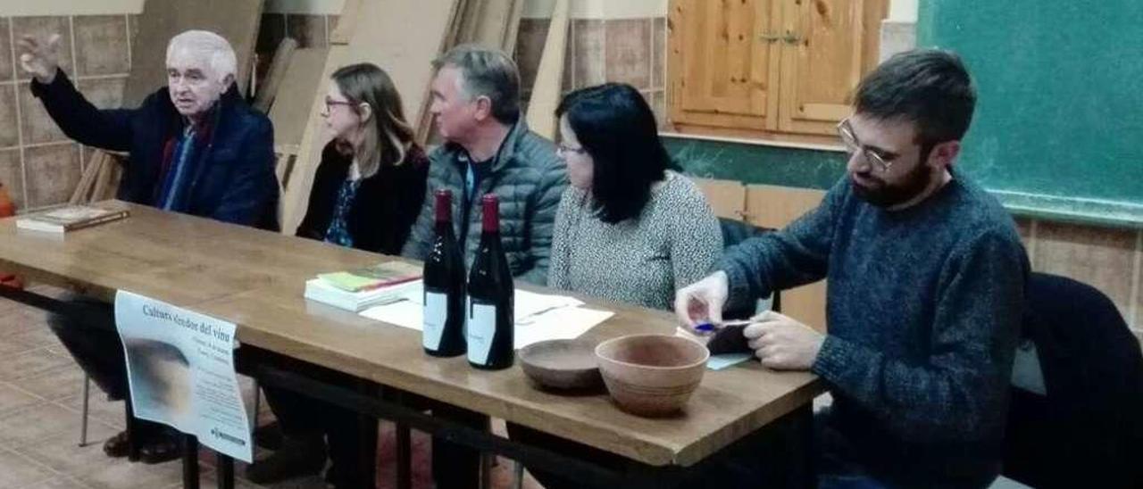 Javier Fernández Conde, Beatriz Pérez, Miguel Ángel López, Loli Laureiro y el moderador Miguel Rodríguez Monteavaro