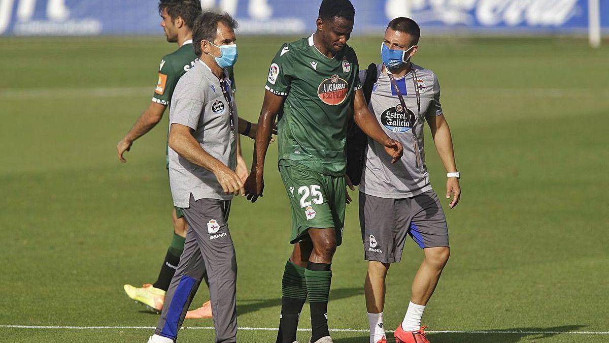 Uche se retira el martes del campo tras lesionarse contra el Tenerife.