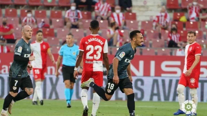Girona - Rayo en directe: El Girona perd contra el Rayo i se li torna a escapar l'ascens a Primera (0-2)