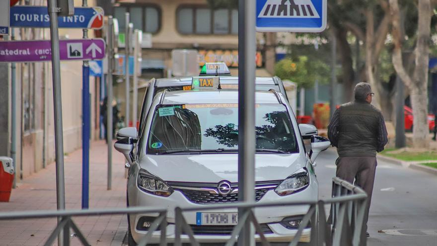 Más de 700 taxistas solicitan las ayudas para paliar la crisis económica del covid