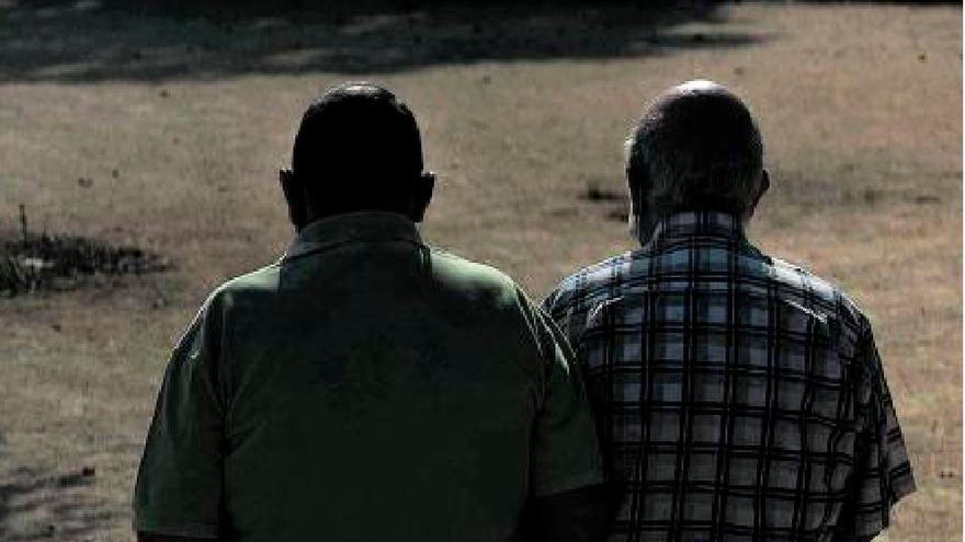 Más adicción entre hombres de 31 a 60 años y mujeres mayores de 61