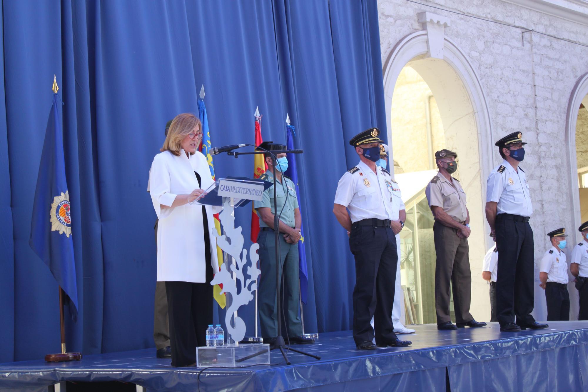 La Policía presenta a los 147 agentes e inspectores que concluirán sus prácticas en Alicante