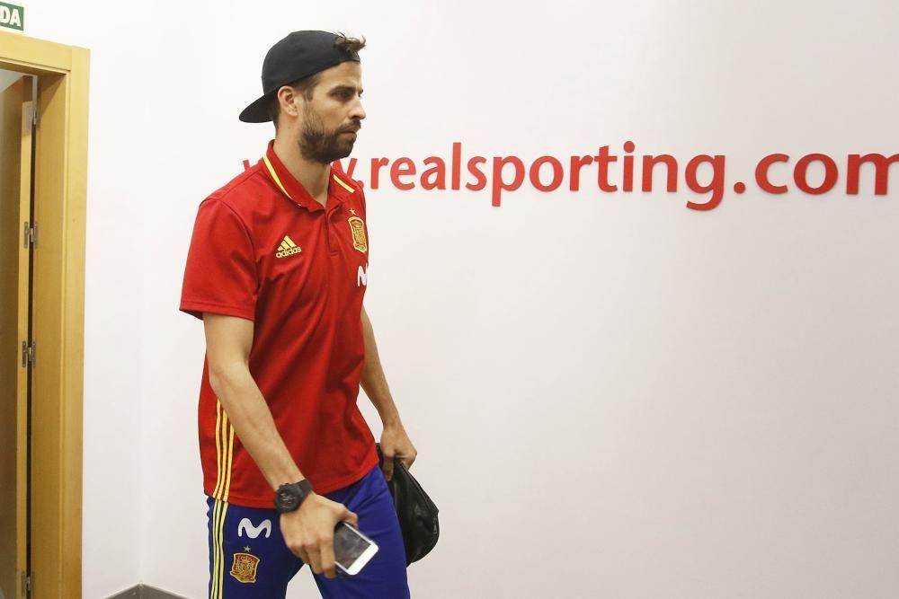 Selección española en El Molinón