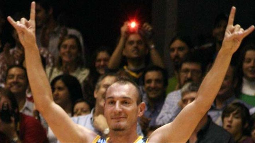 El excapitán de Estudiantes Nacho Azofra, ingresado con neumonía