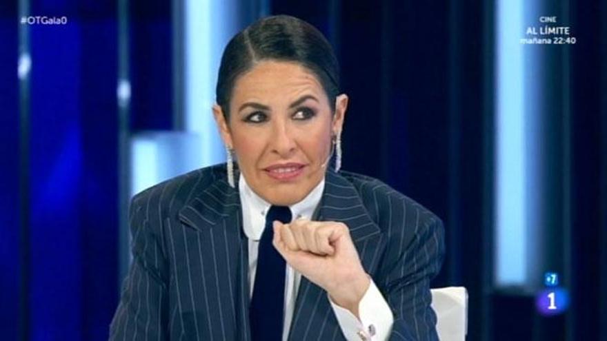 Nina regresa a 'OT' vestida de gángster