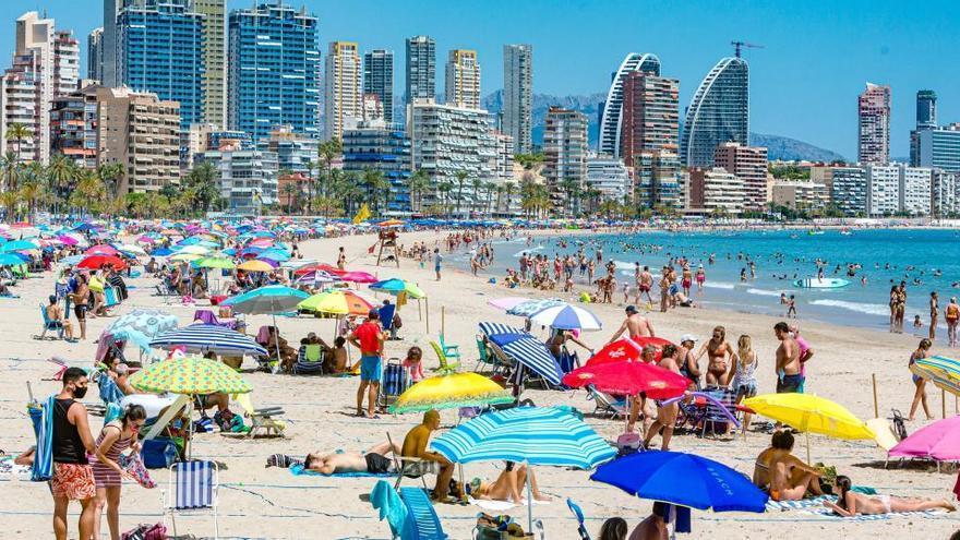Siete de los diez municipios con más casos de covid en la Comunidad son de la provincia de Alicante
