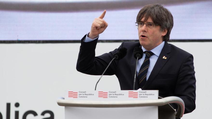 El Constitucional rechaza suspender la orden nacional de arresto de Puigdemont