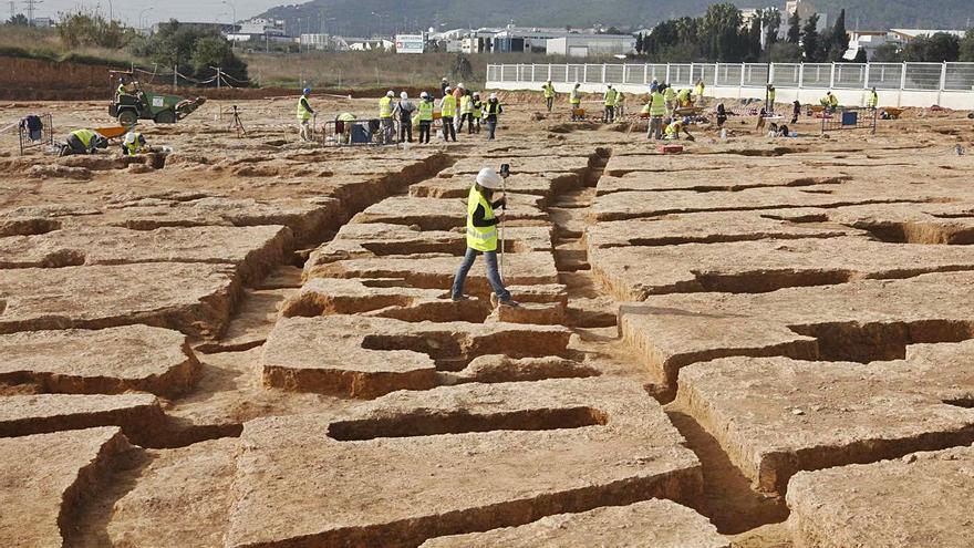 El Consell aprueba cubrir y conservar el yacimiento arqueológico  del Mercadona