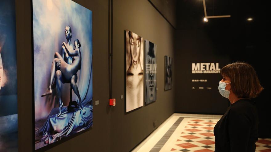 Llega a La Térmica 'METAL', la primera exposición en España del fotógrafo Dennis Manarchy