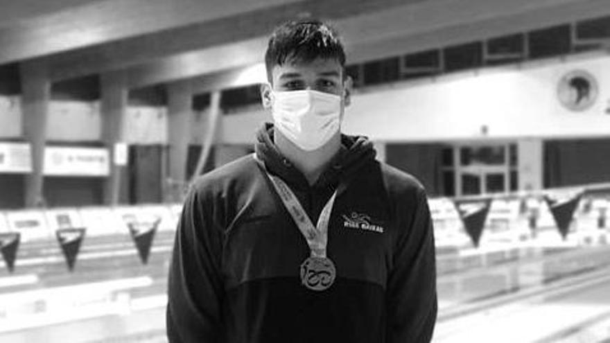 Mario Méndez, con su medalla.