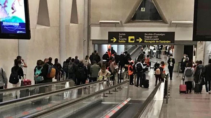 Tres pasajeros internacionales llegados al Aeropuerto de Palma tenían covid