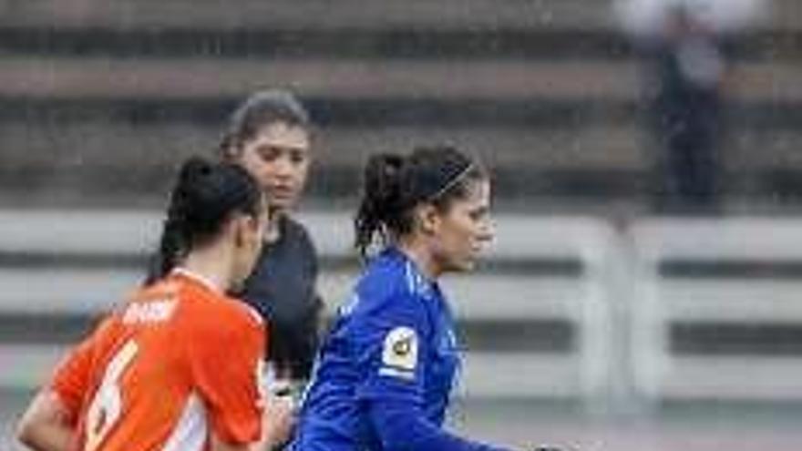 El Oviedo salva un punto y el Sporting pierde fuera