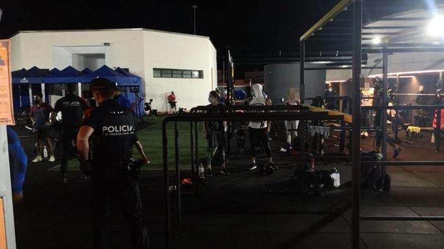 La Policía Canaria desaloja un gimnasio con clases de crossfit y zumba con 28 personas