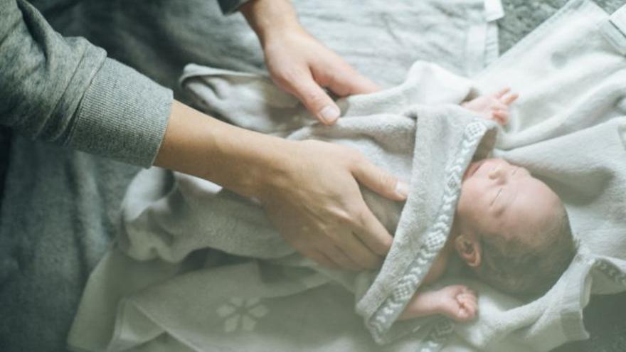 La acusada de acuchillar 53 veces a su recién nacido admite los hechos: lo tiró a un contenedor y se fue de vacaciones