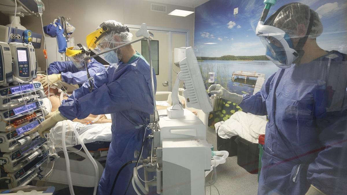 Coronavirus en Córdoba: Un mes de restricciones para contener una curva sin precedentes