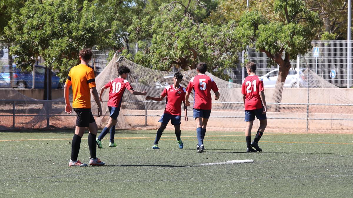 El fútbol 8 y el fútbol sala para deportes no federados puede disputarse en Castelló desde esta semana.
