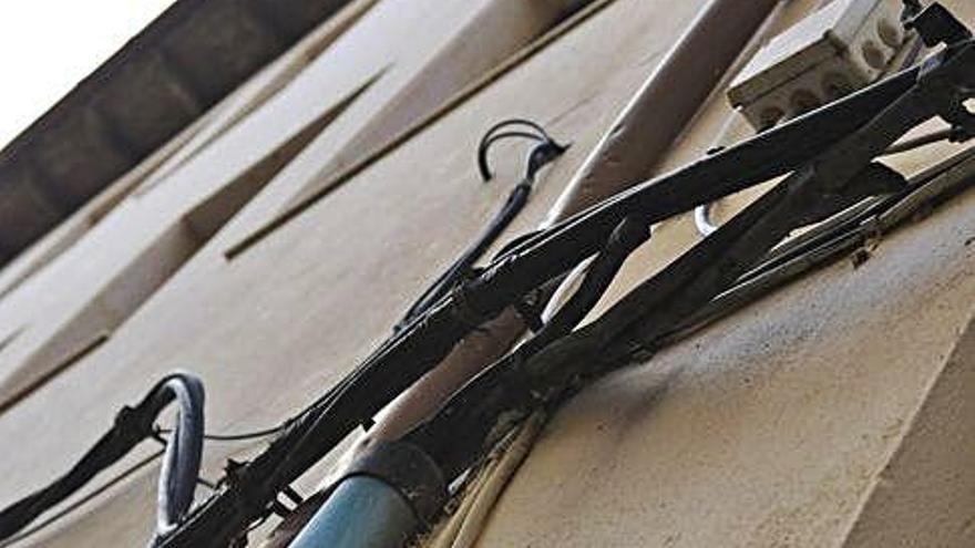 El casco antiguo continúa sin fibra óptica dos años después del primer proyecto