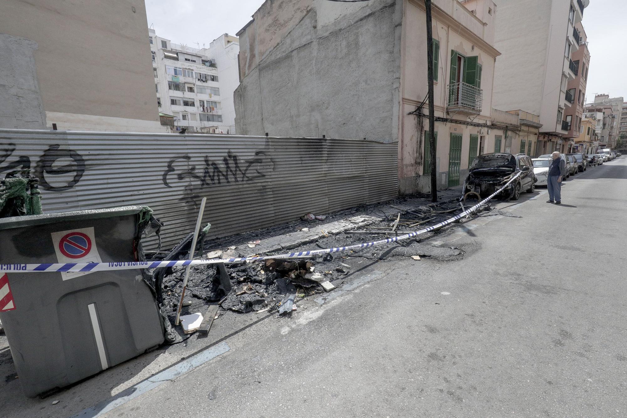 Un gran incendio de contenedores provoca enormes daños en Palma